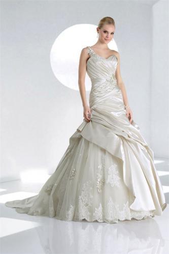 #10047 Impression Bridal