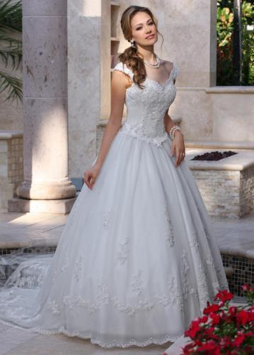 #8009 Davinci Bridal